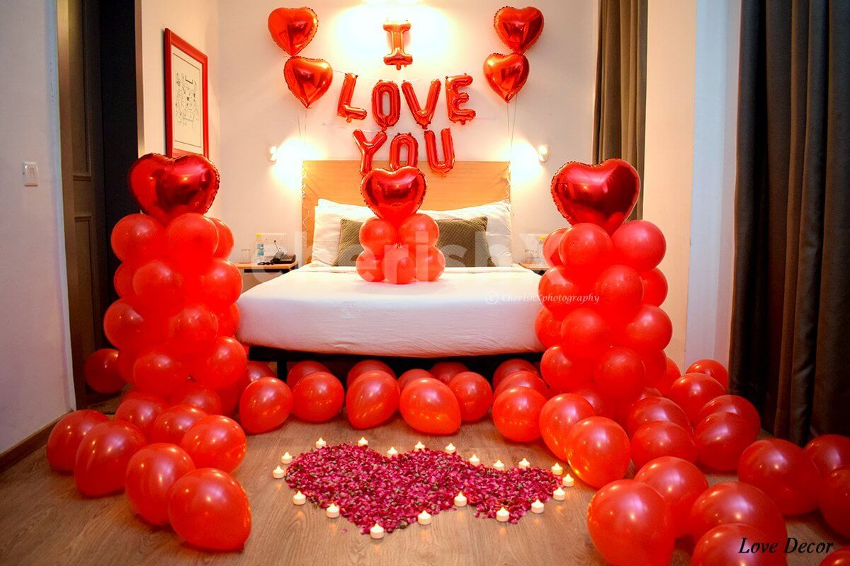 Balloon Decoration & Room Decoration Services Delhi NCR